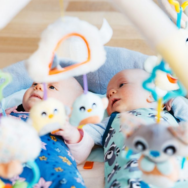 018768178-Snuggle-Me-Penguin-Tummy-Time-Gym-PVC-BR-3